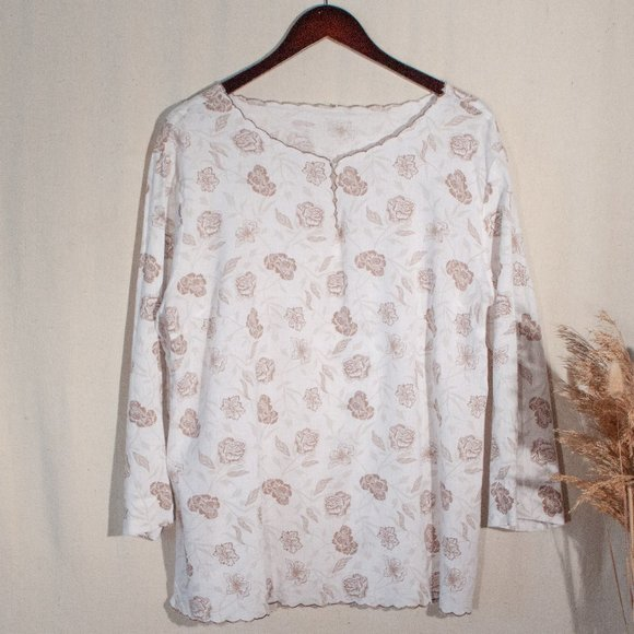 Vintage Tops - Scalloped Linen Floral Long Sleeve Top